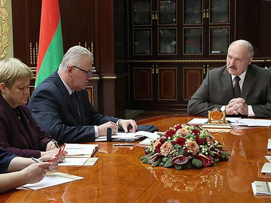 Лукашенко рассказал, почему белорусов выгоняют из дома