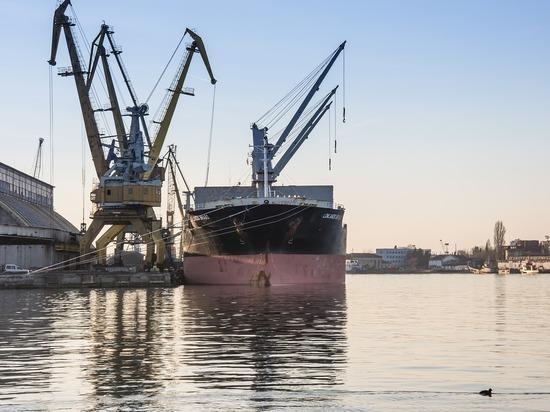 Власти Кабо-Верде арестовали 11 российских моряков