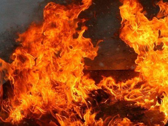В центре Усть-Илимска за 10 минут сгорел киоск