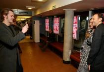 На презентацию альманаха Анатолия Белого «Стихи в кино» Мария Миронова появилась с молодым человеком, который, впрочем, заметив камеры немедленно разошлись в разные стороны и на протяжении всего вечера старались делать вид, что незнакомы