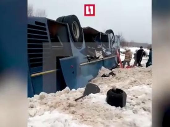 Число погибших в перевернувшемся под Калугой автобусе достигло семи