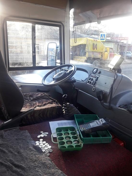 Кольцевой маршрут: пассажиры в шоке, пока водители пьют кофе