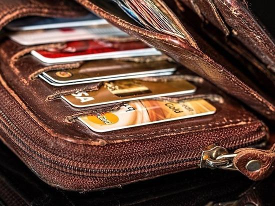 В барнаульских трамваях и троллейбусах стали принимать банковские карты