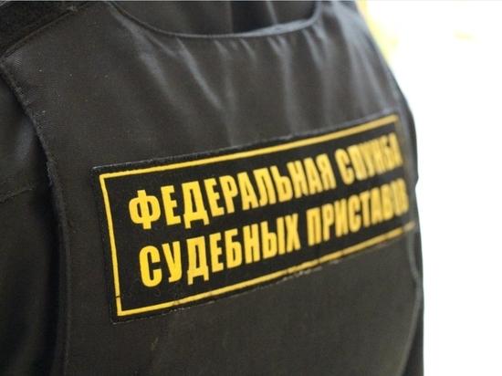 В Прикамье пристав пробрался к алиментщику под видом газовика
