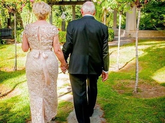 В Калуге сыграли свадьбу 90-летние молодожены