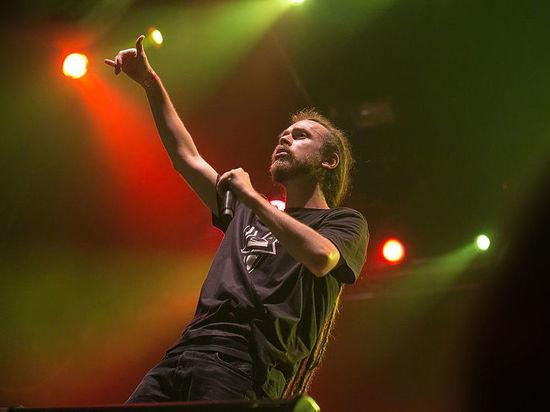 СМИ выяснили, что пил Децл перед концертом в Ижевске