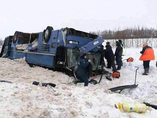 Жители Ярцево рассказали,  кого винят в страшном ДТП в Калужской области
