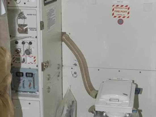 Туалетное ЧП на МКС: у астронавтов прорвало «гальюн»