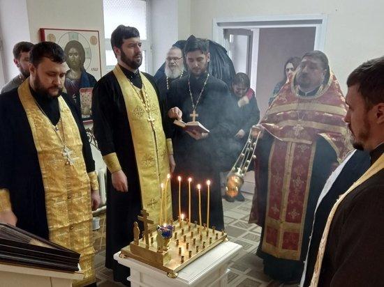 В храме при калужской больнице прошел молебен о здравии пострадавших в автокатастрофе