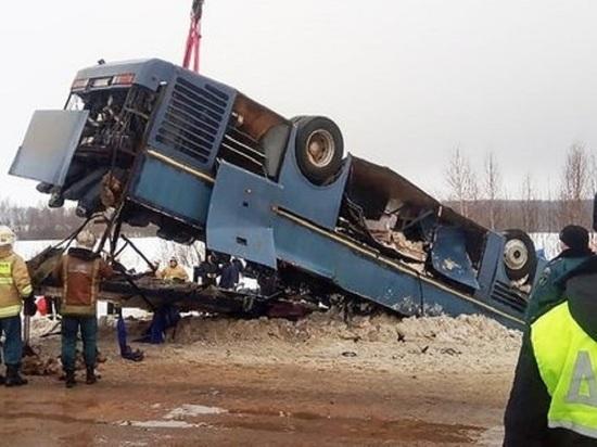 Хоронить погибших в ДТП с автобусом под Калугой начнут сегодня