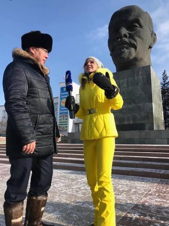 Голая Алла Михеева (Ведущая Вечерний Ургант)
