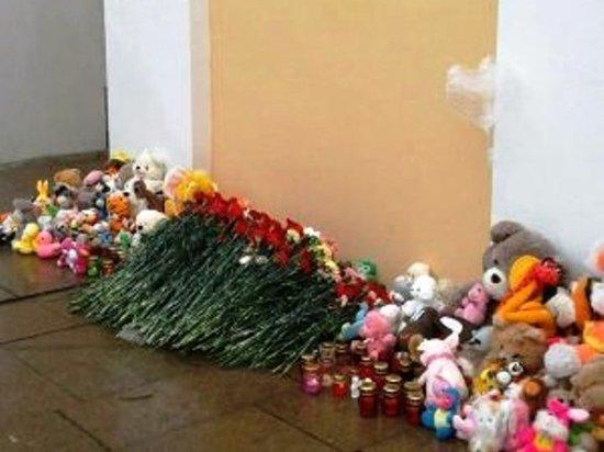 В Ярцево проходят похороны погибших в ДТП с автобусом под Калугой