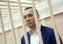 Анастасия Пестрикова — последняя в череде жен Дмитрия Захарченко — расплакалась в зале Пресненского суда