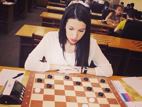 molodaya-sportsmenka-foto