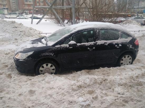 В проблемах со снегом Александр Беглов обвинил своего предшественника