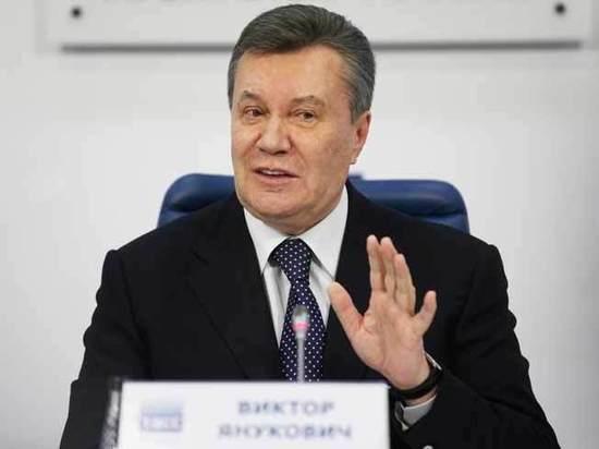 Янукович рассказал, как поскользнулся на корте из-за открытого окна