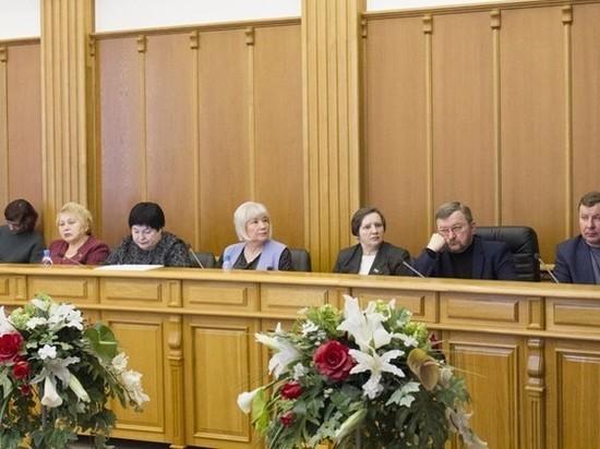 В Екатеринбурге предложили отказать школьникам в бесплатном питании