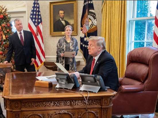 NBC: Трамп редко читает донесения разведки