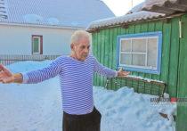 «Потеплеет, переедем в гараж»: пожилых людей из Камня-на-Оби выселяют из дома