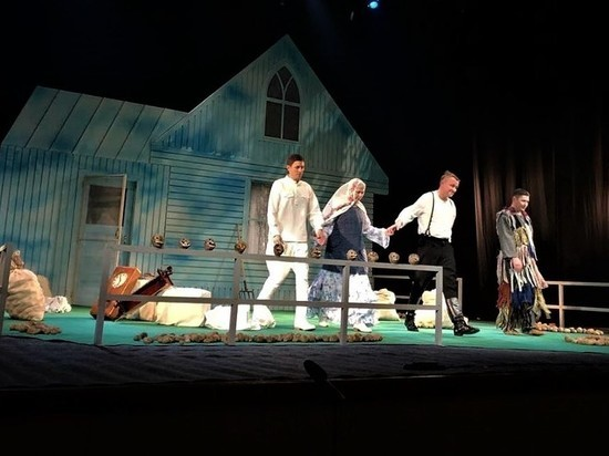 Индийские театралы оценили игру артистов театра Камала