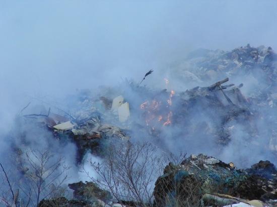 Жители поселков Энем и Афипский задыхаются от дыма со свалки