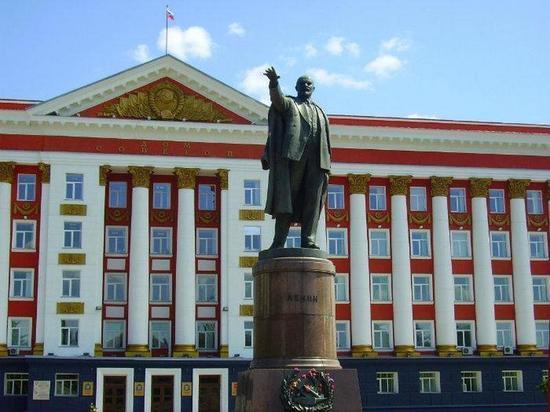 Сумма на ремонт памятника Ленину в Курске уменьшилась в 10 раз