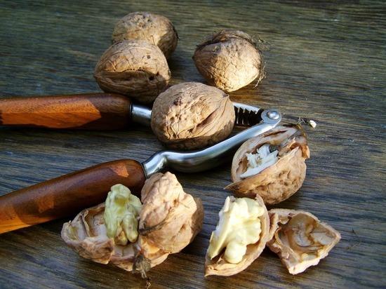 От депрессии защищают грецкие орехи, предположили учёные из Калифорнии