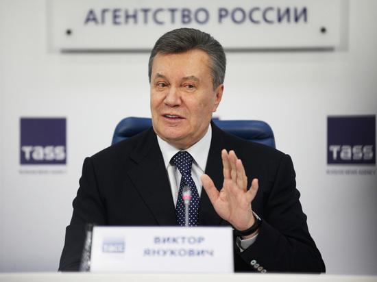 В Киеве освятили арестованную квартиру Януковича