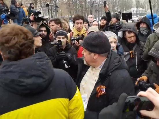 В Москве произошла потасовка на «Марше разгневанных матерей»