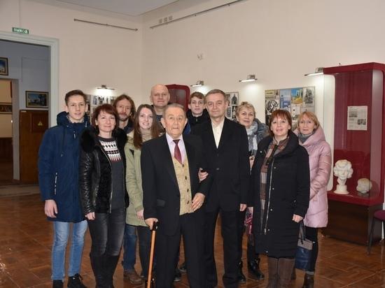 В Евпатории проходит выставка легендарного скульптора Шмакова