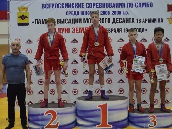 Юный ялтинский самбист привёз из Новороссийска серебро