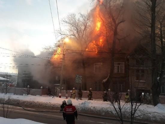 В исторической части Ульяновска сгорел старый дом