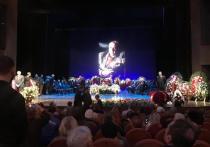 Прощание с народным артистом Сергеем Юрским проходит 11 февраля в театре Моссовета в Москве