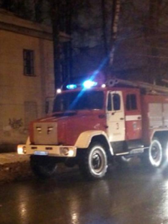 Ночью в центре Калуги сгорел магазин