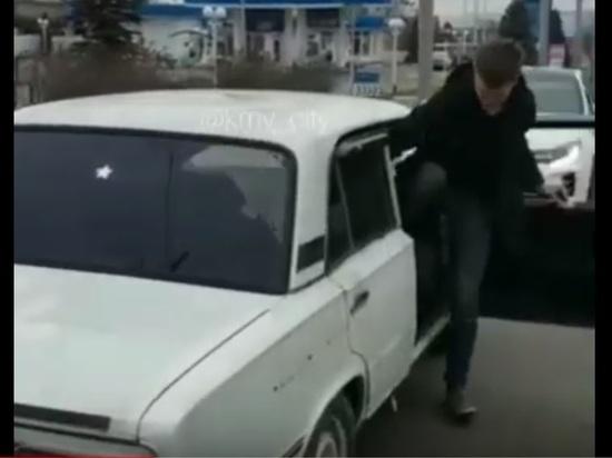 Задом наперед по Ставрополю гастролирует чудо-Жигули