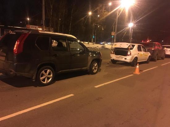 В Курске в тройном ДТП пострадала пассажирка одной из машин