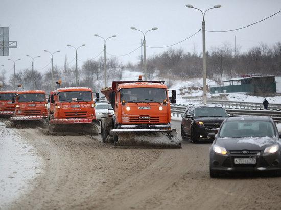 На трассы Волгоградской области за сутки высыпали 315 тонн реагентов