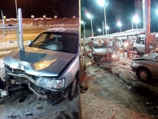 В Северске водитель иномарки протаранил КПП закрытого города