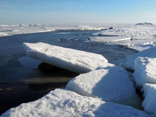 Карельские ученые на практике испытали народную примету про Онежское озеро