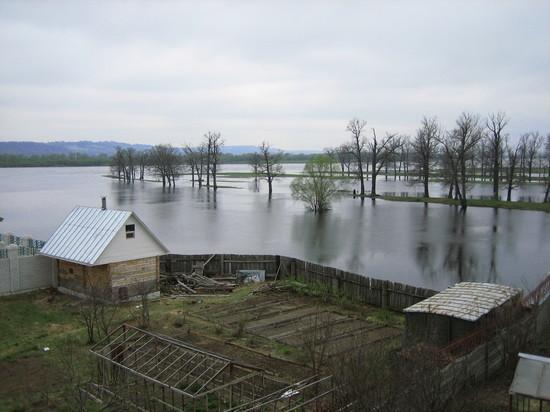 Паводок может подтопить более 70 населенных пунктов в Крыму