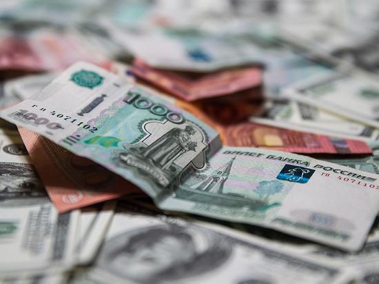 Чистый отток капитала из РФ ксередине зимы превысил $10 млрд