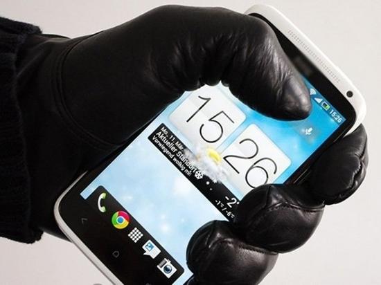 За сутки в Чувашии зарегистрировано 8 краж сотовых телефонов