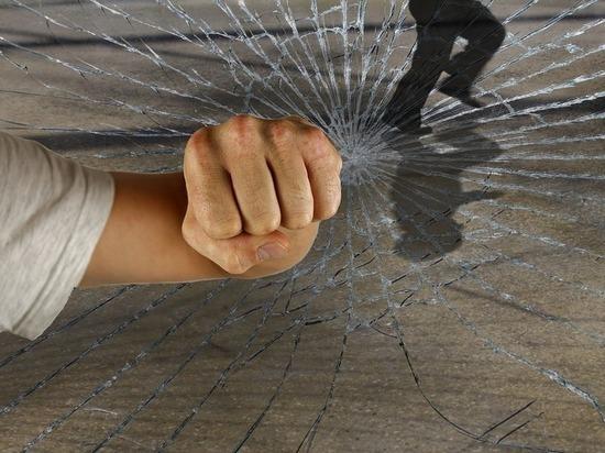 В Бурятии налетчики связали и ограбили женщину в ее квартире