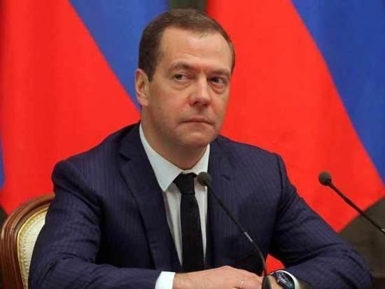 Медведев выделил на содержание судейского корпуса более 200 млрд рублей