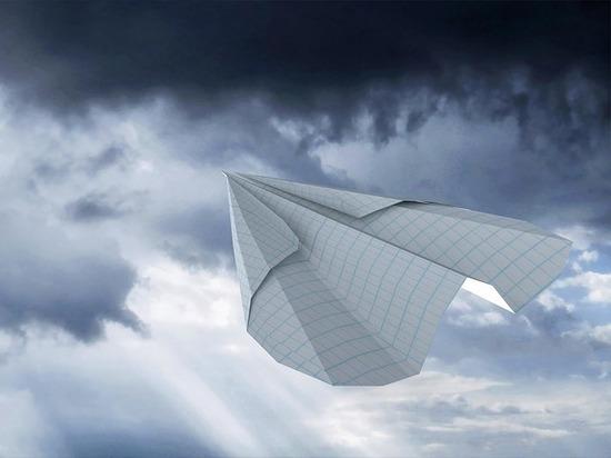 В Казани идет отбор на чемпионат мира по запуску бумажных самолетиков