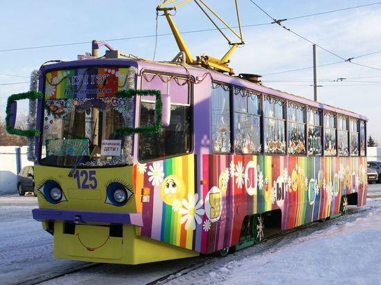 В День влюбленных по Нижнекамску будет ездить романтический трамвай