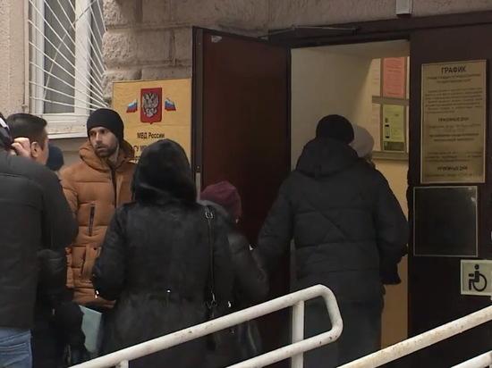 Обманутые «Гаусом» воронежцы встретились с замначальника ГУ МВД по региону