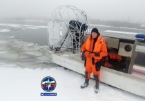 Акватория реки Обь в Новосибирске освобождается ото льда