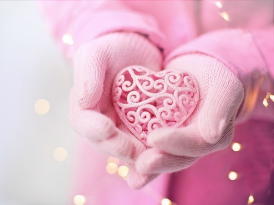 Художник разъяснил значение сердечка: символизирует ягодицы Венеры