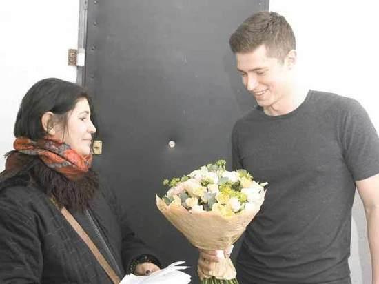 Очень особенный Валентин: цветы москвичам 14 февраля доставляли курьеры-инвалиды